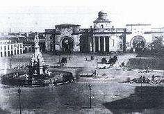 Portal de Mar cap al 1858, amb la font del Geni Català. Josep Massanès i Mestres - Viquipèdia, l'enciclopèdia lliure