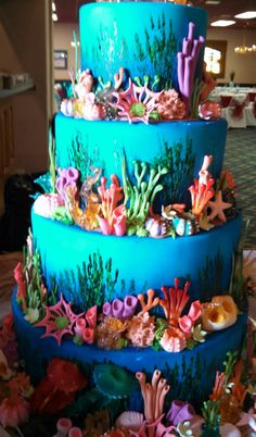 Love Wedding Cakes Under the sea wedding cake Ocean Cakes, Beach Cakes, Fancy Cakes, Cute Cakes, Gorgeous Cakes, Amazing Cakes, Fete Julie, Gateaux Cake, Mermaid Cakes