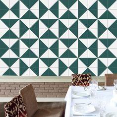 www.lurca.com.br/ // Lurca Azulejos - Coleção Modelo Raiz Verde // Lurca Tiles - Collection Raiz Green Model #azulejos #azulejosdecorados #revestimentos #arquitetura #interiores #decor #design #sala #reforma #decoracao #geometria #casa #ceramica #architecture #decoration #decorate #style #home #homedecor #tiles #ceramictiles #homemade