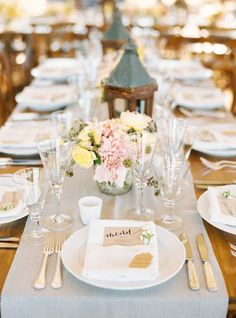 The definition of a Sonoma table: http://www.stylemepretty.com/2015/02/19/black-tie-sonoma-valley-carnival-wedding/ | Photography: Jessica Burke - http://www.jessicaburke.com/