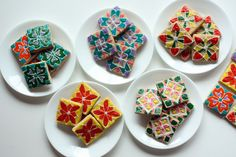 rangoli cookies    http://www.dessarts.com/2010/11/rangoli-cookies-for-a-happy-diwali.html