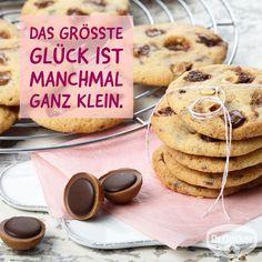 Toffifee®-Cookies: Knusprige Plätzchen mit Toffifee® // #WortzumMittwoch - Sprüche zum Thema Backen, Kochen und Desserts: Das größte Glück ist manchmal ganz klein.