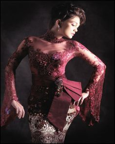Anne-Avantie-kebaya-collection