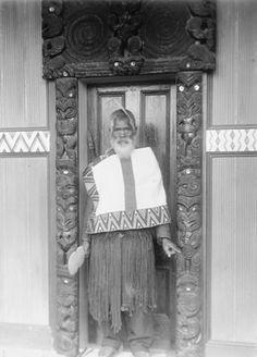 Ranana meeting house,Ngarangi Polynesian People, Maori People, West Papua, Maori Designs, Maori Art, Post Card, Kiwi, New Zealand, Native American