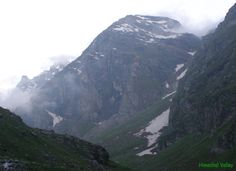 When it's time to go forTrekking in Himachal, one of the popular spot for it which comes to the mind in first shot isInder Killa in Manali.