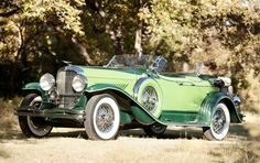 Duesenbergs, like this 1934 Model J dual-cowl phaeton, were designed to accentuate the most regal lines and features. Duesenbergs, like this 1934 Model J dual-cowl phaeton, were designed to accentuate the most regal lines and features. Auto Retro, Retro Cars, Vintage Cars, Antique Cars, Duesenberg Car, Old Classic Cars, Sweet Cars, Collector Cars, Amazing Cars