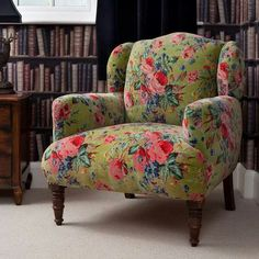 pretty & comfy-looking reading chair   (sitting room)