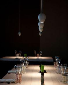 Iluminación de restaurantes. Iluminación de mesas de restaurantes. Davide Groppi mete la luz en los platos de Osteria Francescana, el tercer mejor restaurante del mundo. | diariodesign.com