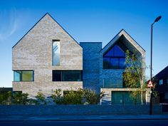 Allford Hall Monaghan Morris > North London Hospice #architecture