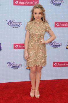 Sabrina Carpenter is rockin that dress !!!!!!