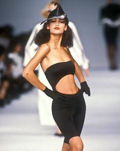 Marpessa Hennink Show Claude Montana - Spring 1986 Grunge Fashion, 90s Fashion, Couture Fashion, Runway Fashion, Fashion Models, High Fashion, Fashion Outfits, Style Fashion, Catwalk Design