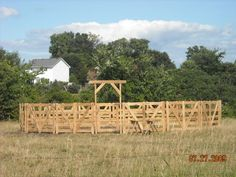Round Pen Pens And Hay Feeder On Pinterest