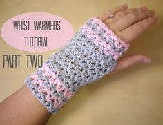 This step by step tutorial will show you how to crochet easy wrist warmers / fingerless gloves which can be made in any size. These pretty wrist warmers are . Fingerless Gloves Crochet Pattern, Mittens Pattern, Fingerless Mittens, Knitted Gloves, Crochet Beanie, Crochet Baby, Knit Crochet, Learn Crochet, Flower Crochet