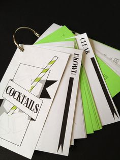 Free printable classic #cocktail recipes flip book! #DIY #drink