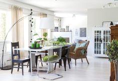 Modernien ja perintöhuonekalujen yhdistelystä syntyy rauhallinen koti