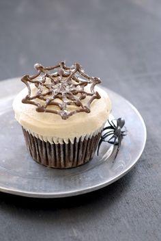 super easy caramel icing | kumquatblog.com @kumquatblog recipe