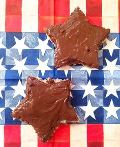Nutella toast cut into star shapes, the perfect breakfast for the Fourth or July.