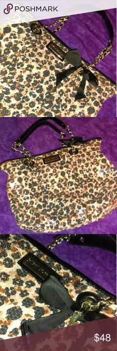 Huge Betsey Johnson Cheetah Sequin Bow Purse In great condition! Like new. Betsey Johnson Bags Hobos