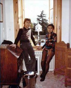 John Lennon and Yoko Ono-Lennon (window)