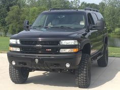Lifted Chevy Tahoe, Big Chevy Trucks, Chevy 4x4, Gm Trucks, Cool Trucks, Chevrolet Suburban, Chevrolet Tahoe, Chevrolet Trucks, Black Tahoe