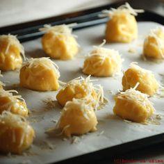 Boule za ušima: Francouzské sýrové kuličky Gougères Gordon Ramsay, Macaroni And Cheese, Garlic, Food And Drink, Vegetables, Ethnic Recipes, Mac Cheese, Vegetable Recipes, Mac And Cheese