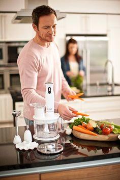 Blender ręczny 6w1 Aura to nowe odkrycie w dziedzinie przygotowywania posiłków. Z jego pomocą można zrobić niemal wszystko - od podstawowego mieszania, przez sosy, po bardzo złożone przepisy. Nieważne, czy chcesz przygotować szybką przekąskę, czy zorganizować rodzinny bankiet - blender ręczny 6w1 Aura jest niezastąpiony. Kliknij www.kochamdom.pl