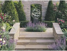 Vintage natural sandstone garden walling in a buff to brown colour - part of a fully integrated collection of paving, walling and setts. Sandstone Paving, Paving Slabs, Paving Stones, Garden Paving, Garden Stones, Natural Stone Wall, Natural Stones, Driveway Blocks, Cottage Patio