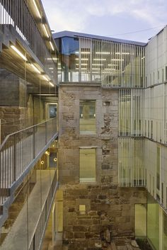 Galería de Rehabilitación Sede de los Registros de la Propiedad en Vigo / Irisarri + Piñera - 3