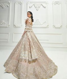 Get Hooked With Stunning Long Trail Lehenga Design That Will Reflect A True You! Indian Bridal Outfits, Indian Bridal Fashion, Pakistani Bridal Wear, Indian Fashion Dresses, Fashion Outfits, Party Wear Lehenga, Party Wear Dresses, Wedding Dresses, Wedding Lenghas
