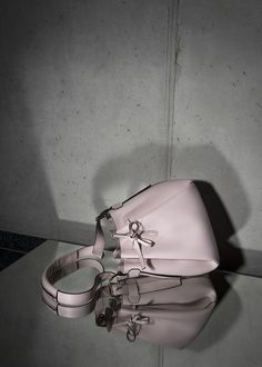 • POWDER ROSE BUCKET BAG • Timeless bucket bag made out of Italien calf leather. Comes with an extra leather lining pouch to keep your valuables safe. #bucketbag #leather #calf #accessories #bag #handbag #timeless #rose #mirror #timeless #minimal #reduced #modern #contemporary #fashion #signature #trendy #raellezurich www.raellezurich.com Contemporary Fashion, Bag Making, Calf Leather, Bucket Bag, Calves, Cuff Bracelets, Powder, Minimal, Pouch
