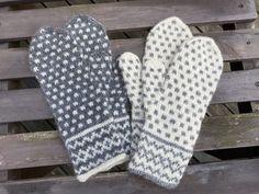 Värmdövanten – Hildurs Barnbarn Knitted Mittens Pattern, Fair Isle Knitting Patterns, Knit Mittens, Mitten Gloves, Wrist Warmers, Hand Warmers, Knitting Projects, Crochet Projects, Textiles