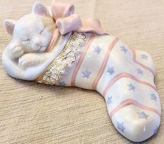 Lenox Cat Kitten Figurine Christmas Dreams