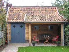 Bekijk de foto van NicNac met als titel Landelijk tuinhuis met zitplekje en andere inspirerende plaatjes op Welke.nl.