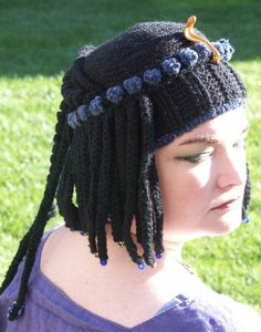 How COOL is this Cleopatra's Hair....hat?! Chrochet, Crochet Yarn, Crochet Toys, Cleopatra Hair, Yarn Wig, Crochet Princess, Wig Hat, Old Women, Clothing Patterns
