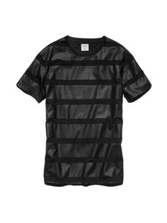 #GQforGap 【En Noir/Rob Garcia】 T-Shirts (¥4,900/ID:142776) ※一部限定店舗とオンラインストアにて販売  ■オンラインストアはこちら http://www.gap.co.jp/browse/division.do?cid=5063