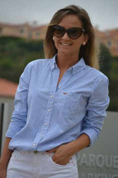 Blog de moda con ideas para vestir cada día Workwear Fashion, Fashion Outfits, Preppy Outfits, Cute Outfits, Dress Shirts For Women, Clothes For Women, Classic Work Outfits, White Pants Outfit, Smart Outfit