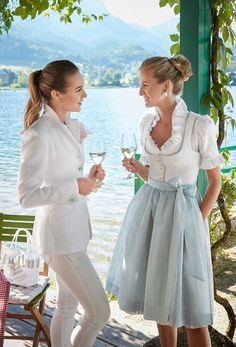 Fairy Clothes, German Fashion, Moda Casual, Medieval Dress, Estilo Retro, Cozy Fashion, Classy Dress, Traditional Dresses, Ruffle Dress