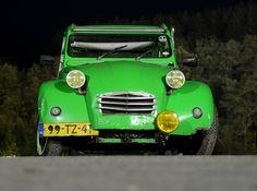 Green...    1978 Citroën 2cv6, vert Bamboo.