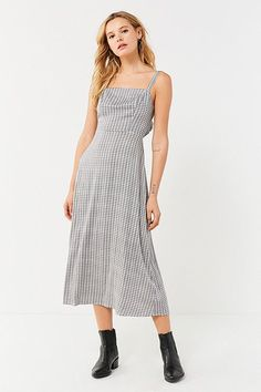 UO Layla Straight-Neck Tie-Back Midi Dress