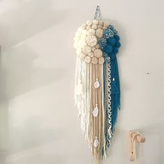 nice Image of PoomDream II - cathy , Yarn Wall Art, Yarn Wall Hanging, Pom Pom Crafts, Yarn Crafts, Diy Home Crafts, Arts And Crafts, Creation Deco, Macrame Art, Macrame Patterns