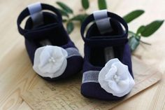 Oh my goodness, these are just too cute!!  Maggie baby shoes/booties in navy and white by sugarplumbtree, $30.00