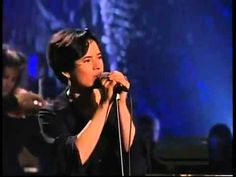 10,000 Maniacs - Because The Night ( MTV Unplugged )  ; she is good. R