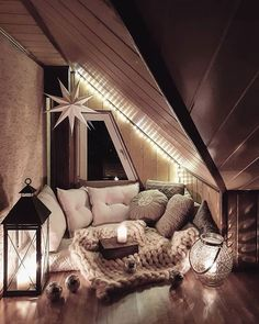 23 warm and romantic bedroom bed decoration ideas 27 Dream Rooms, Dream Bedroom, Cute Room Decor, Aesthetic Room Decor, Cozy Room, Cozy Bed, Luxurious Bedrooms, My New Room, Cozy House