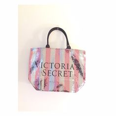 VS limited edition tote bag. Brand new with tag. No trade✖️Will consider reasonable offers Victoria's Secret Bags Totes