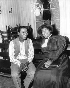 Nat King Cole and Mahalia Jackson  in St Louis Blues