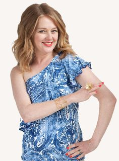 Tracy Gold gives her top secret slim dressing tips on how to smooth out your shape instantly for women over Online Image Makeover for personalised t. Image Makeover, Tracy Gold, Spanx Shapewear, Gold Fashion, Fashion Tips, Arms, Dressing, Slim, Youtube