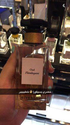 dolce and gabbana perfume Perfume Good Girl, Lovely Perfume, Perfume Scents, Perfume Bottles, Fragrances, Light Blue Perfume, Perfume Display, Perfume Collection, Smell Good