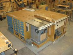 Tablesaw outfeed & wings for small garages