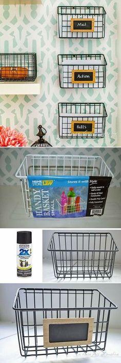 Transforme estes simples cestos comprados em lojinhas de itens para casa, em uma linda prateleira organizadora. ;) #decoração #design #madeiramadeira