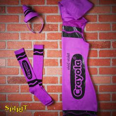 Make a vivid statement with this violet crayon costume! Diy Halloween Food, Halloween Costumes For 3, Diy Costumes, Spirit Halloween, Happy Halloween, Book Characters Dress Up, Character Dress Up, Dynamic Duo Costumes, Rat Costume
